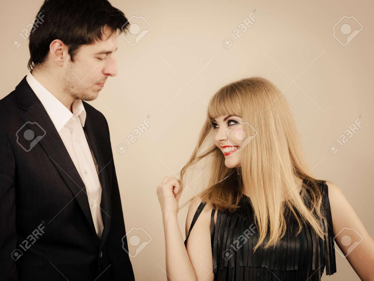 Dating-Datum Wie man weiß, ob Ihre Tochter eine Narzisstin datiert
