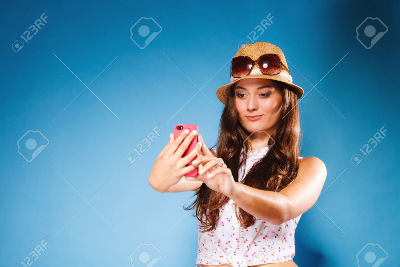 Big tits i phoneteen girl selfie pics
