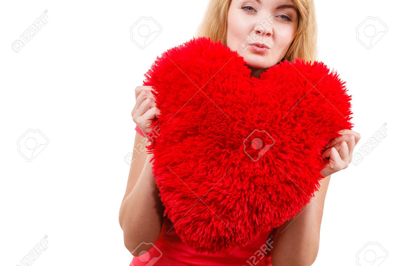 Frau Blonde Lange Haare Mädchen Halten Rote Großes Herz Liebe Symbol