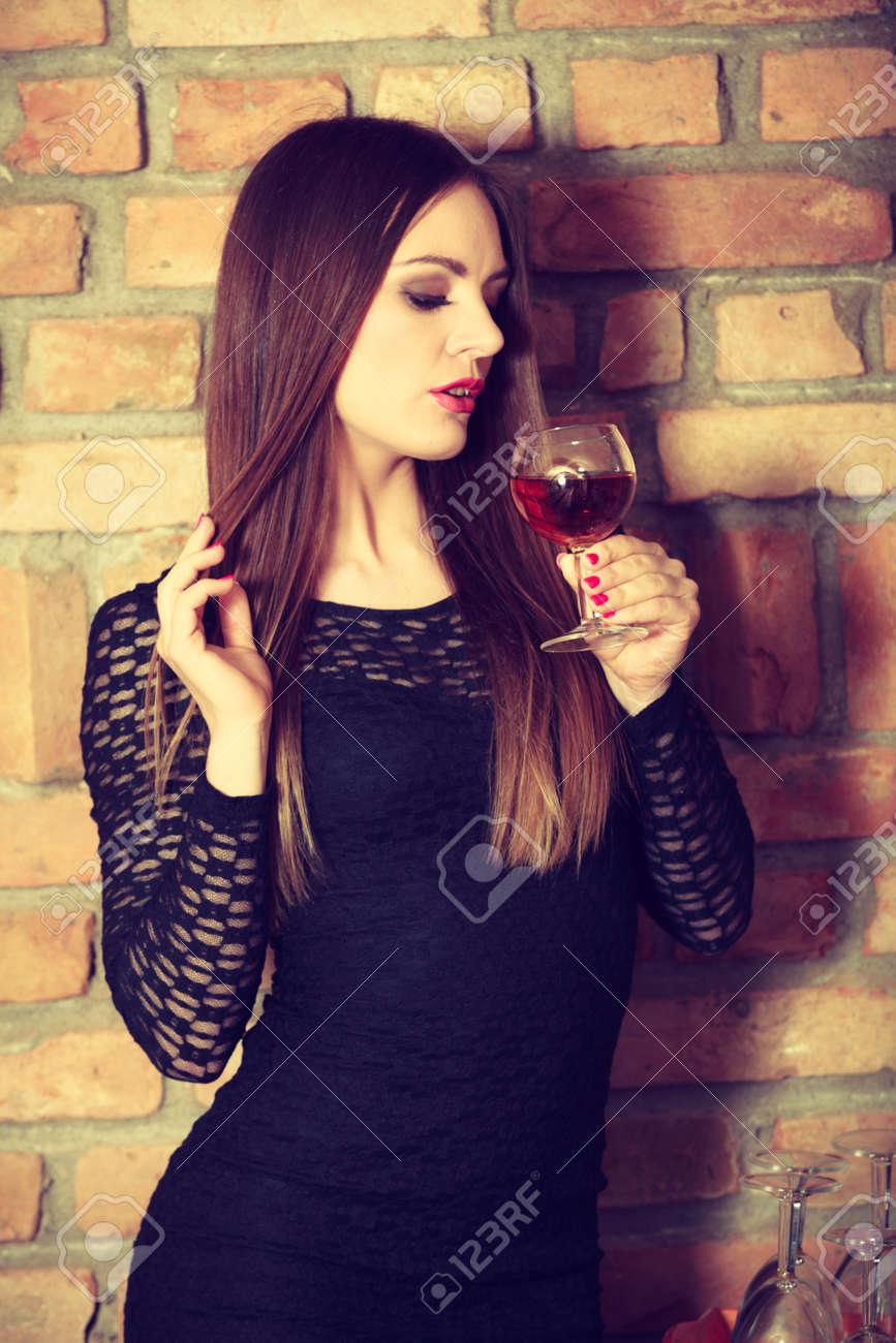 Maquillaje Para Vestido Negro Con Vino Vestidos Largos