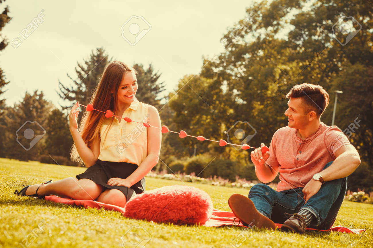 Dating a boy with a girlfriend