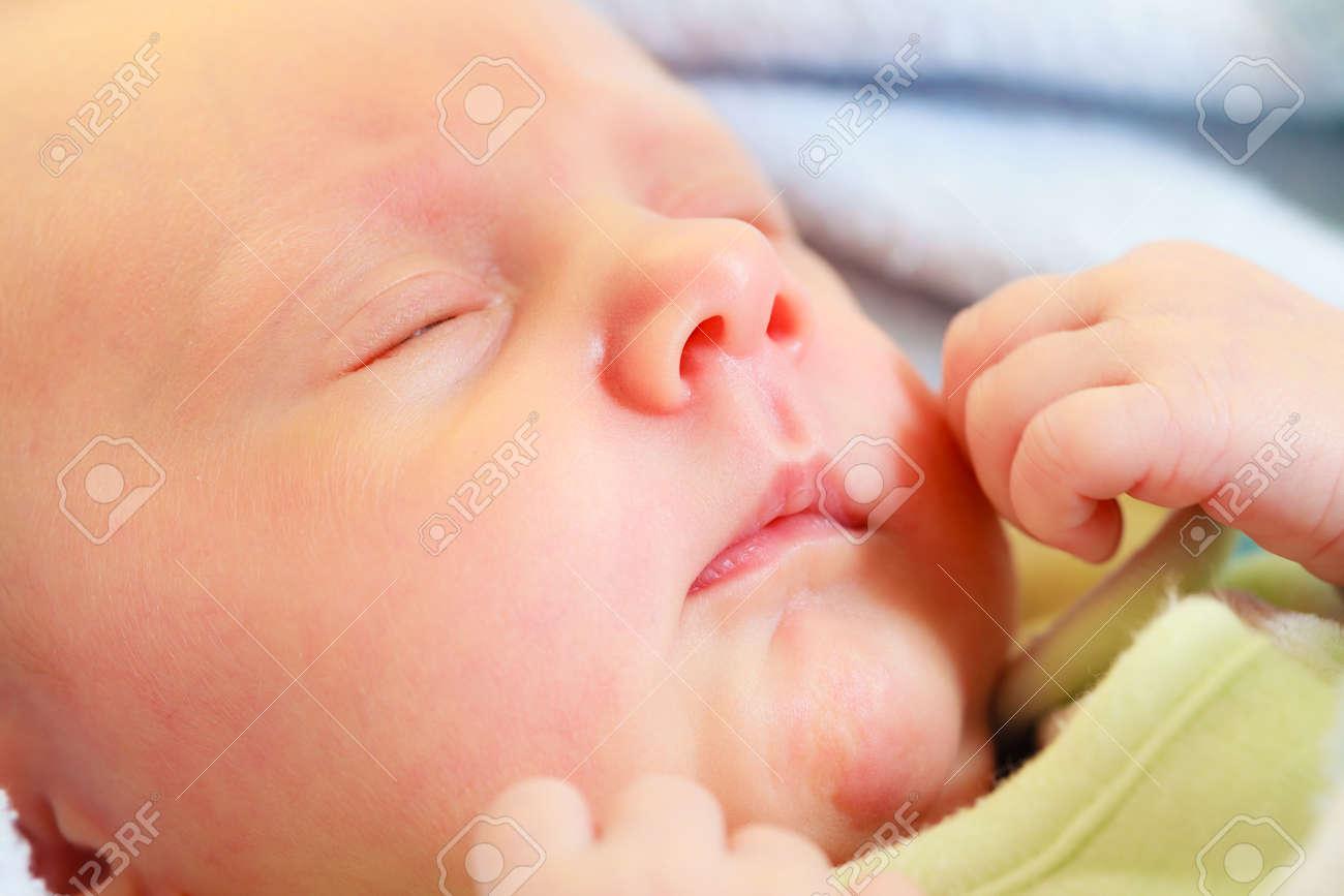 Bett Decken Konzept : Säuglingspflege schönheit der kindheit konzept. kleines