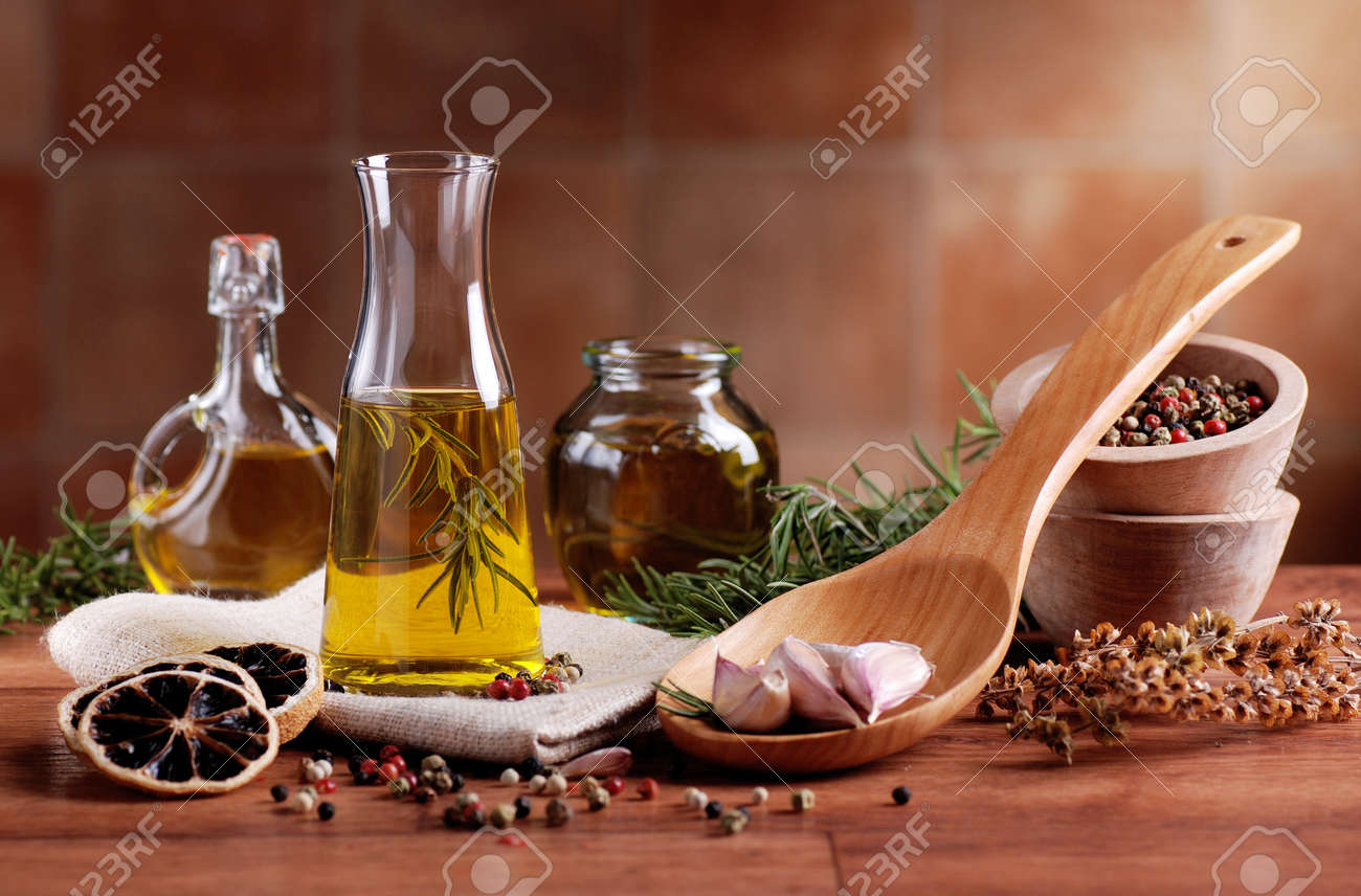 olive oil flavored with spices and other ingredients - 17724022