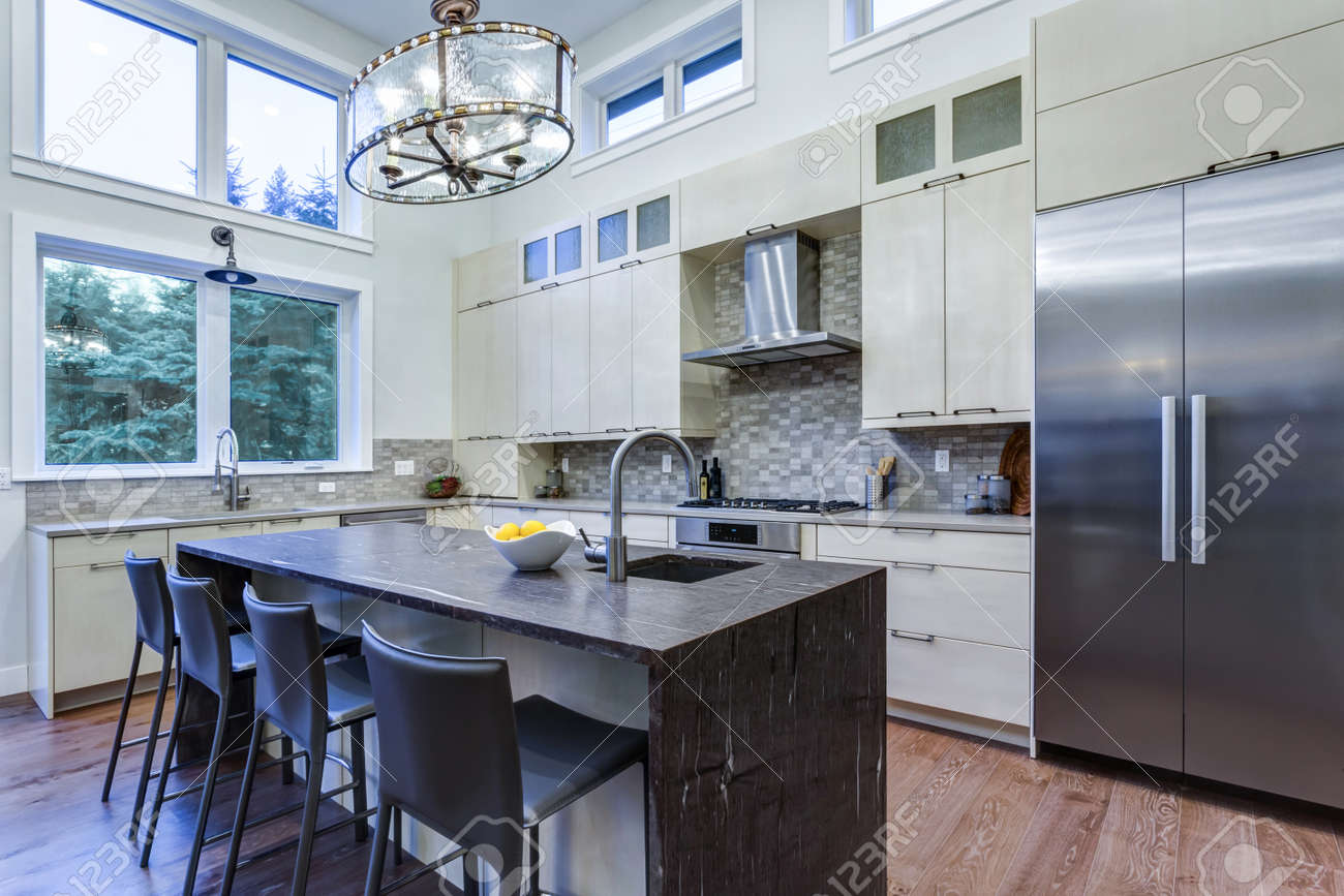 Ordinaire Contemporary White Kitchen With Upscale Kitchen Appliances, Custom Built  Cabinets, Kitchen Island With Granite