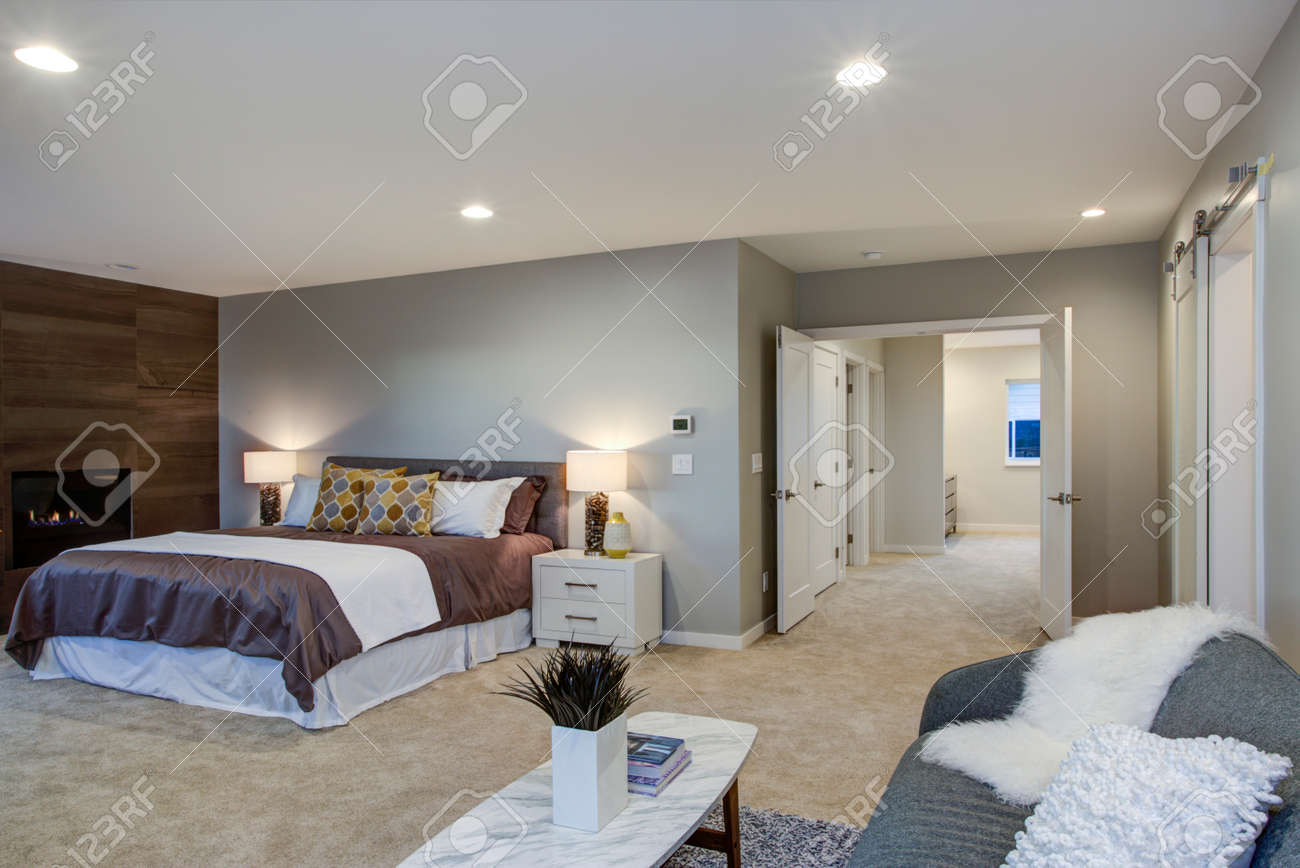 Swell Upstairs Stunning Master Bedroom With King Size Bed Fireplace Home Remodeling Inspirations Cosmcuboardxyz