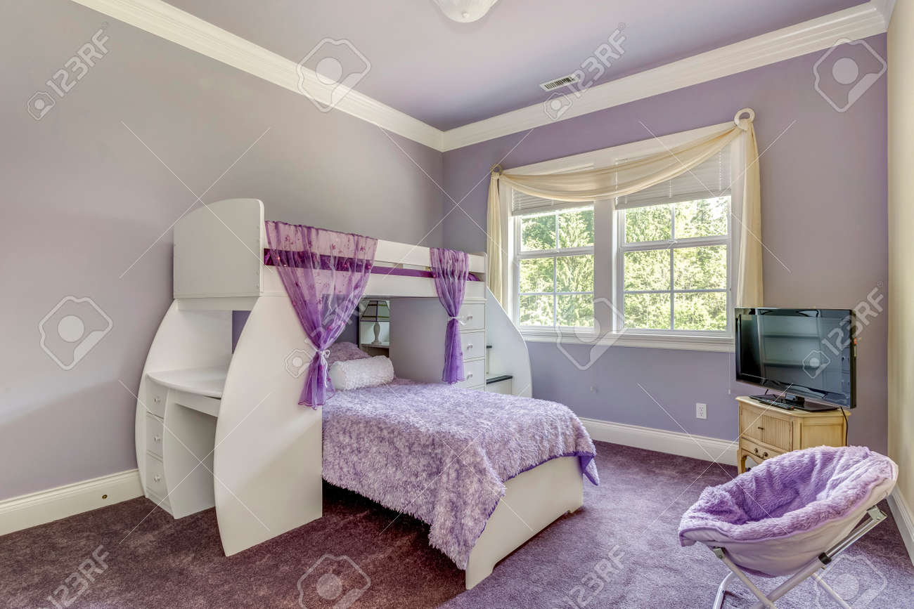 Lovely girls room in lilac tones with bunk bed. - 108106224