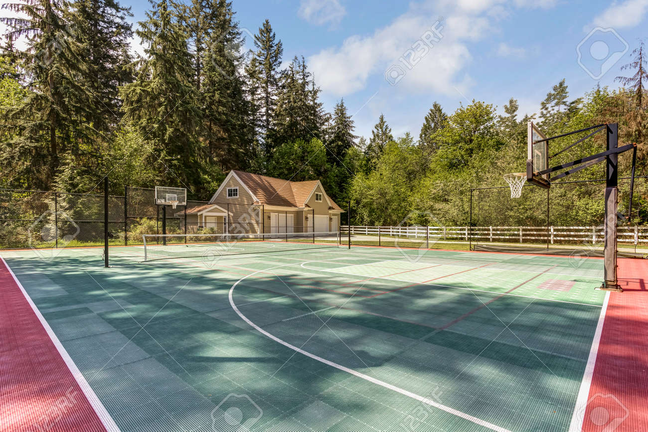 Outstanding country residence with view of tennis court. - 108106240