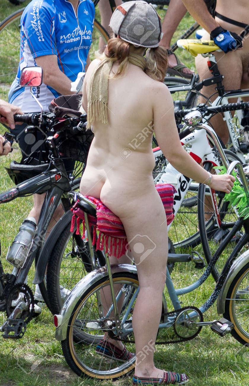 Mega ebony pussy riding hardcore