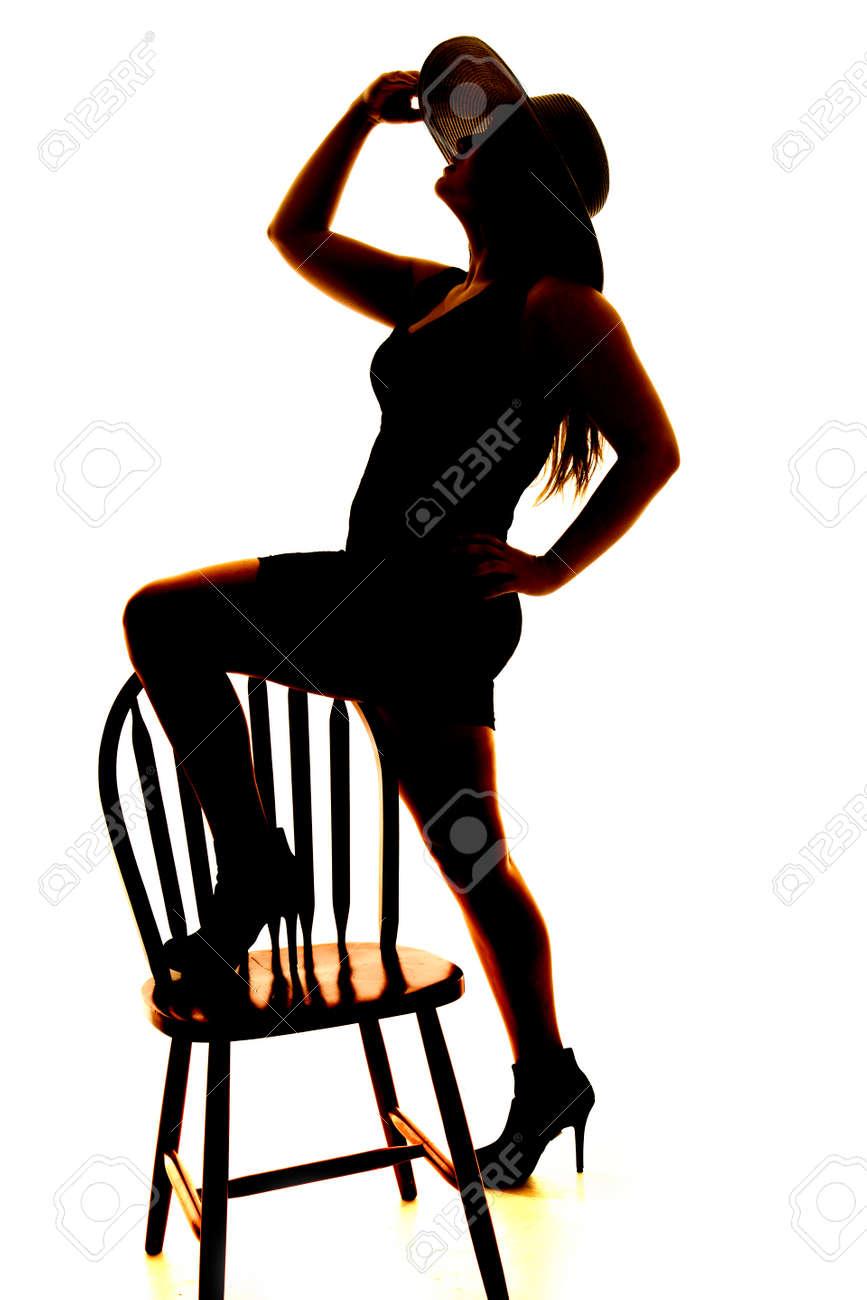 Chaise Femme Avec Pied Son Une Et Silhouette D'une Sur Chapeau FTJ13Klc