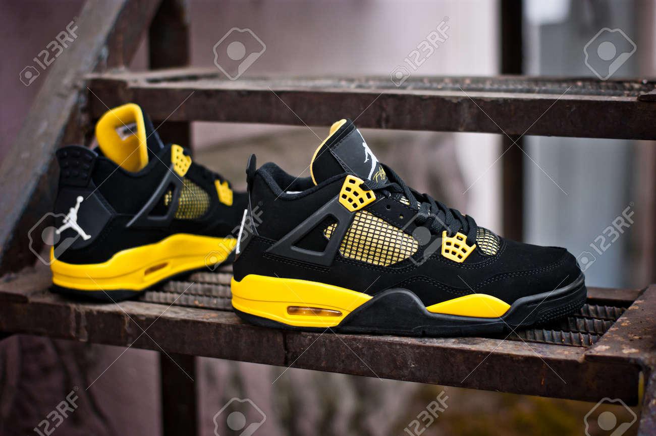 Black Yellow Nike Air Jordan IV 4 Retro