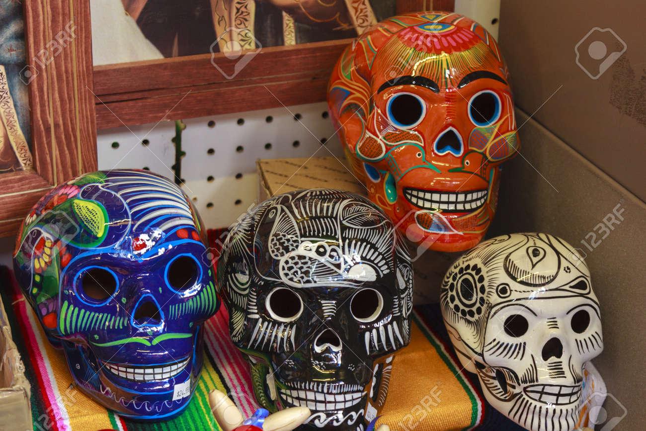 Coloridos Calacas Mexicanas Para El Día De La Celebración Muerte