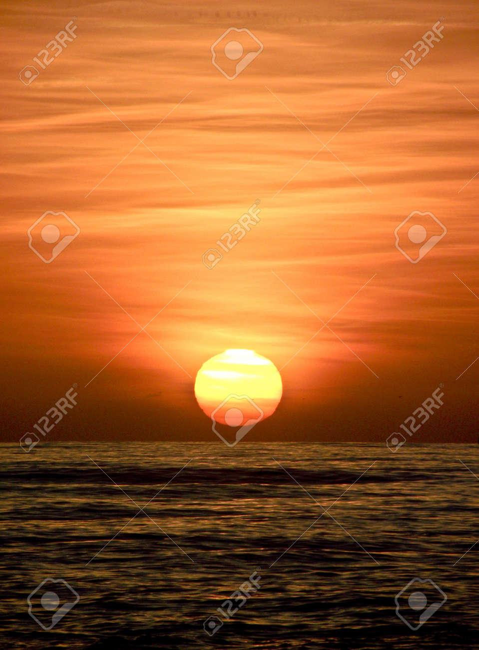 Sunset on the Tyrrhenian Sea Stock Photo - 12222388