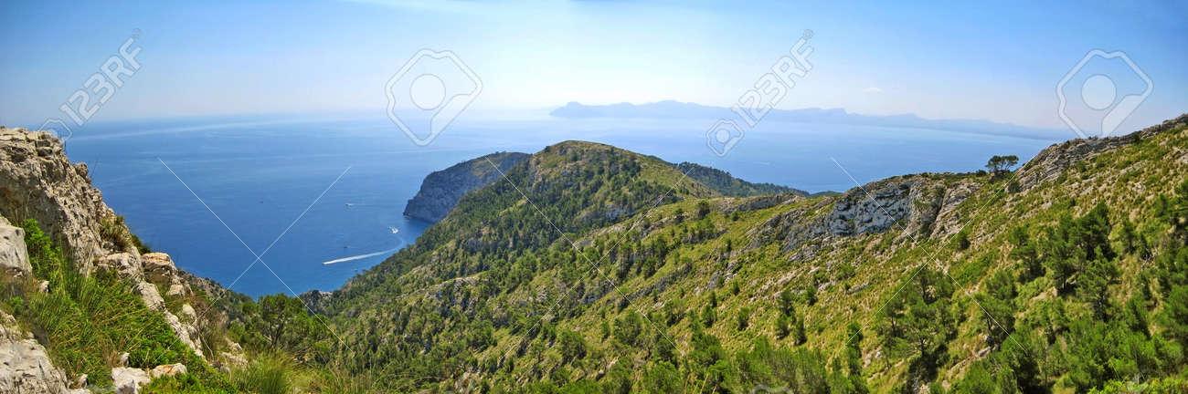 北マヨルカ島、スペインの有名な...