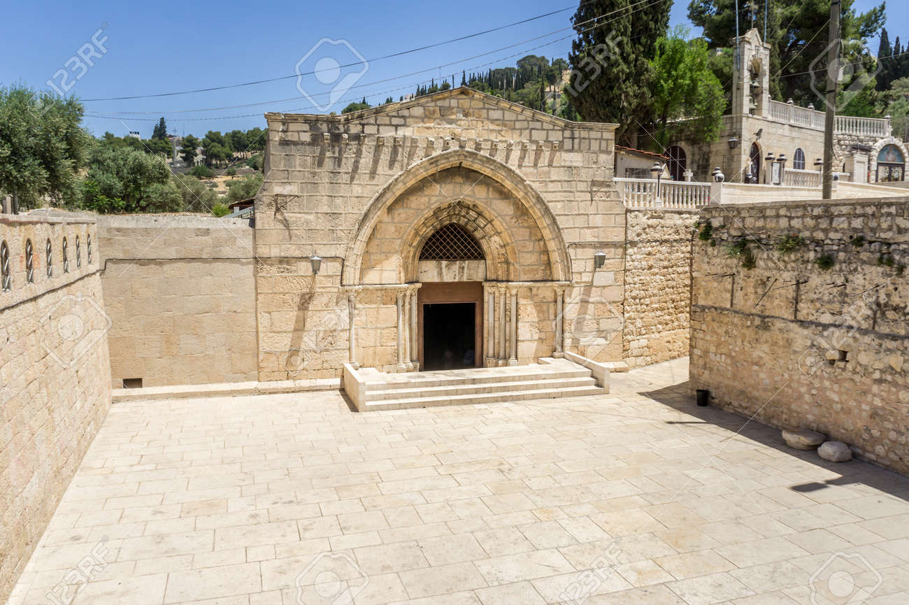 88594018-church-of-the-sepulchre-of-saint-mary-tomb-of-the-virgin-mary-christian-tomb-at-the-foot-of-mount-of.jpg