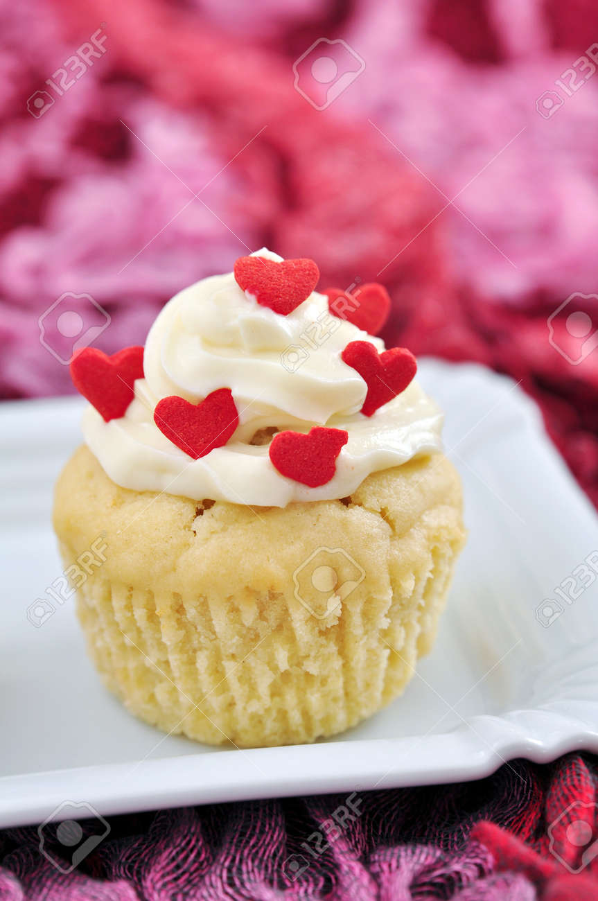Valentines Cupcakes Stock Photo - 19712632