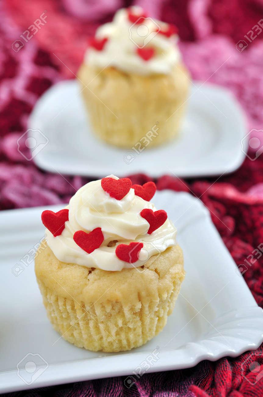 Valentines Cupcakes Stock Photo - 19712605