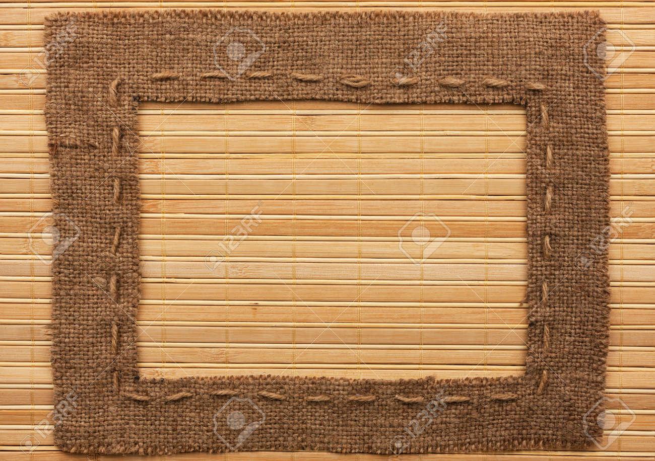 Marco De Arpillera, Se Encuentra En Una Estera De Bambú, Con Lugar ...