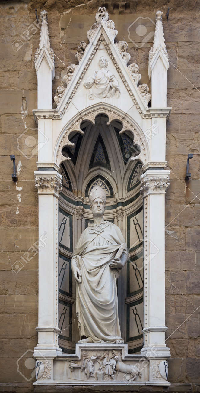 聖 Eligio、彫刻家ナンニ ・ ディ ・ バンコの像。教会やサン ミケーレ ...