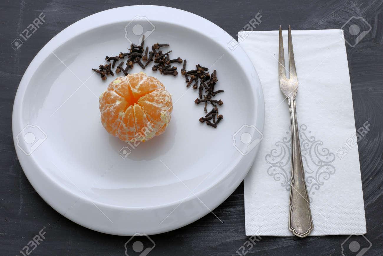 Orange Mit Gewürznelken - Weihnachtsdüfte Lizenzfreie Fotos, Bilder ...