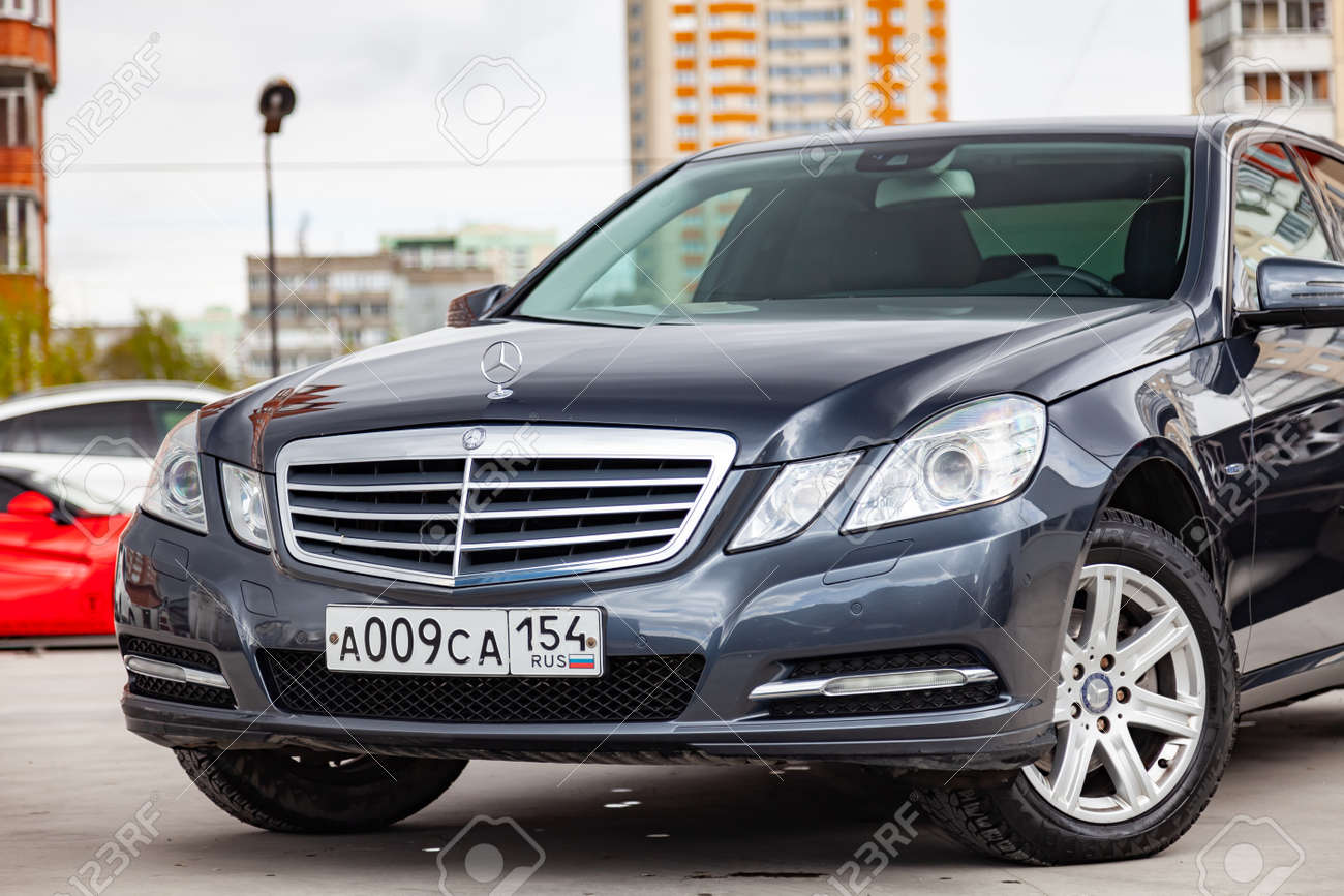 Novosibirsk Russia 05 13 2019 Gray And Blue Mercedes Benz Stock Photo Picture And Royalty Free Image Image 138946561