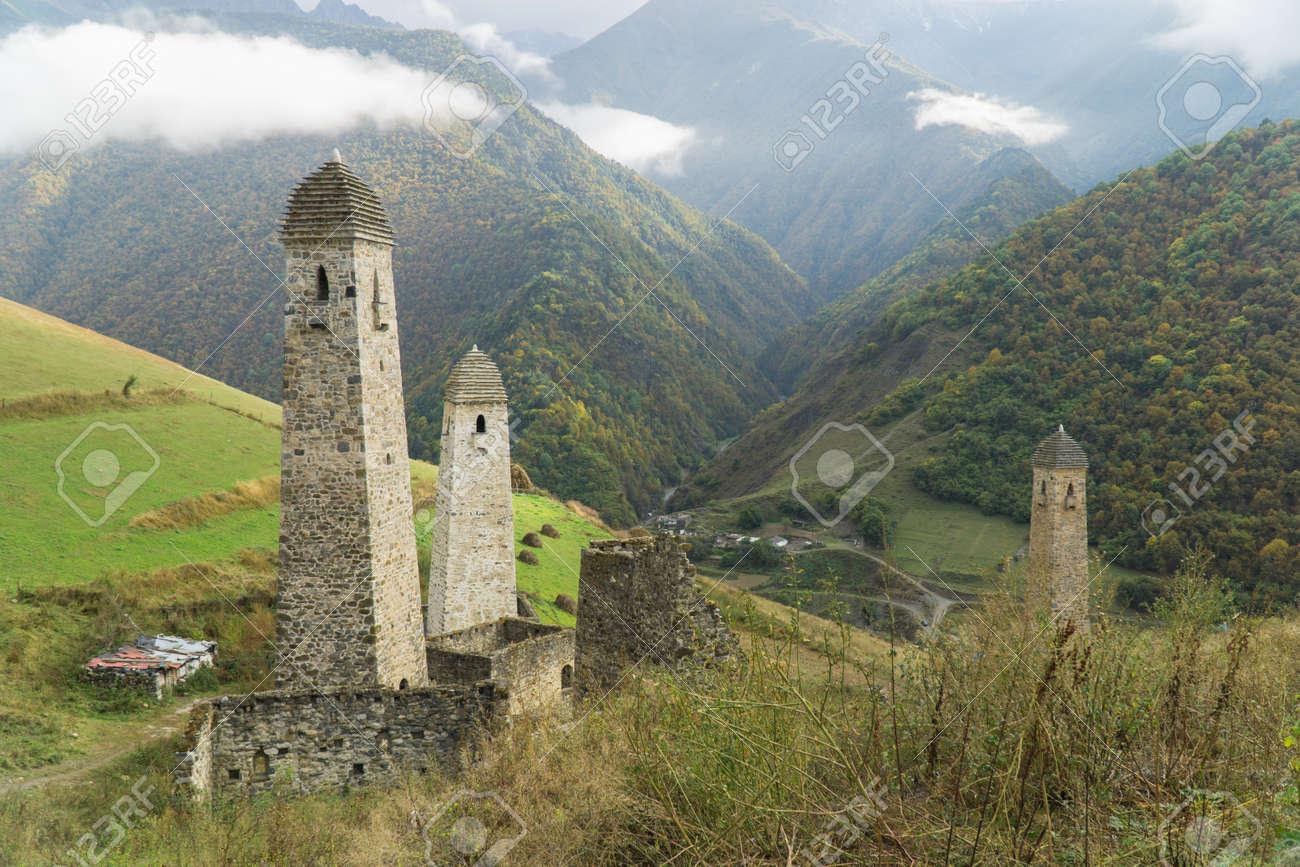 Battle towers Erzi in the Jeyrah gorge, Republic of Ingushetia - 77051625