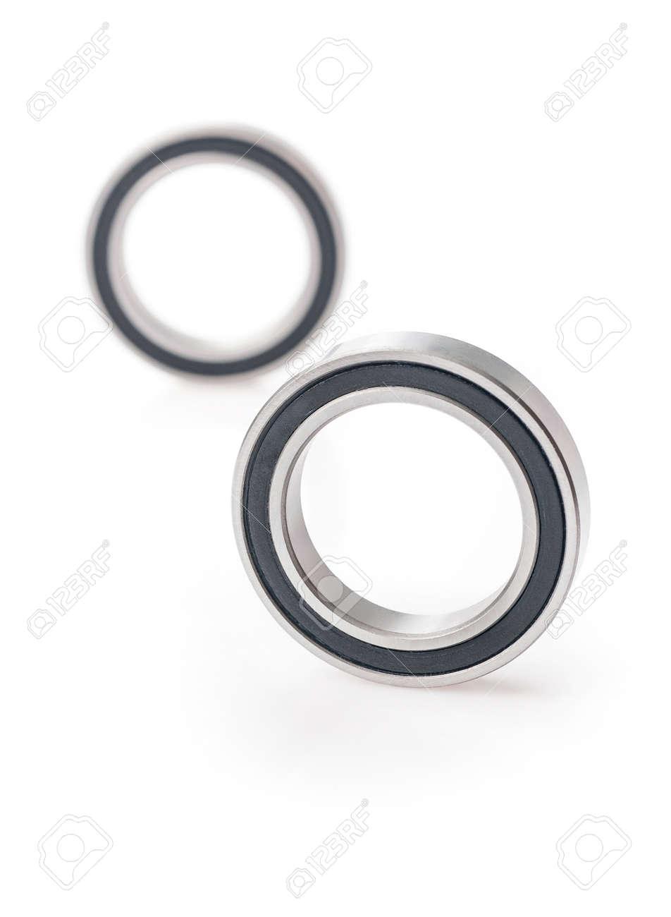 ball bearings isolated - 125452446