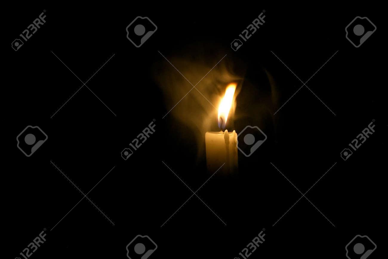 Candle in the dark. Candle in the fog. Candle in the dark in dimu - 105475371