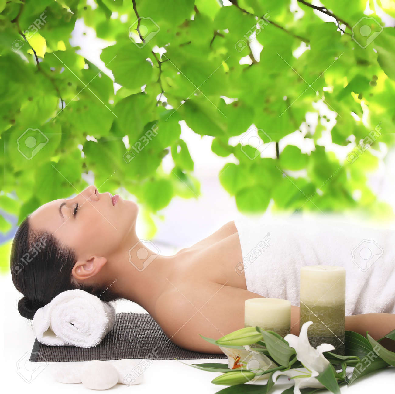 Woman relaxing in spa Stock Photo - 11888918