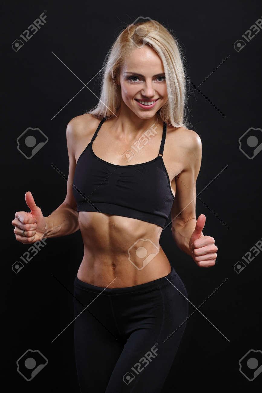Fille Fitness Photo muscles abdominaux jeune athlète, jeune fille fitness banque d