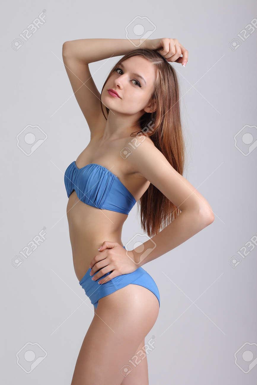 Junge Mädchen in Bikinibildern — foto 2
