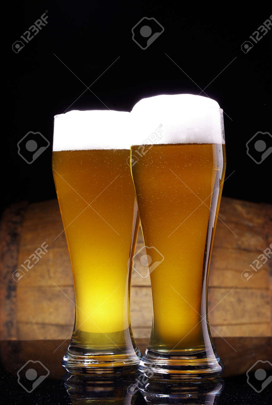 glass of beer with barrel Stock Photo - 16776893