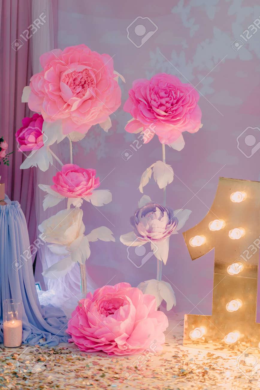 Decoracion De La Habitacion De Cumpleanos Flores De Papel Grandes Y