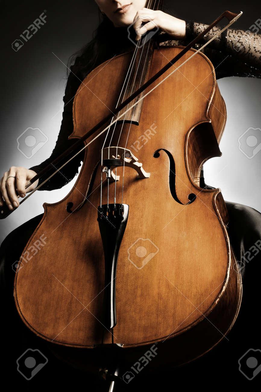 Cello closeup Musical instruments close-up Standard-Bild - 37554534