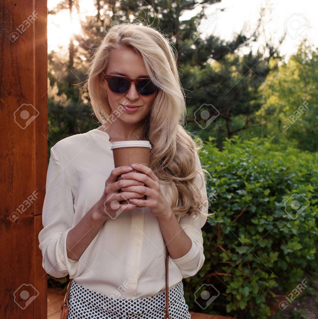 sexy-blonde-having-fun-mature-woman-nude