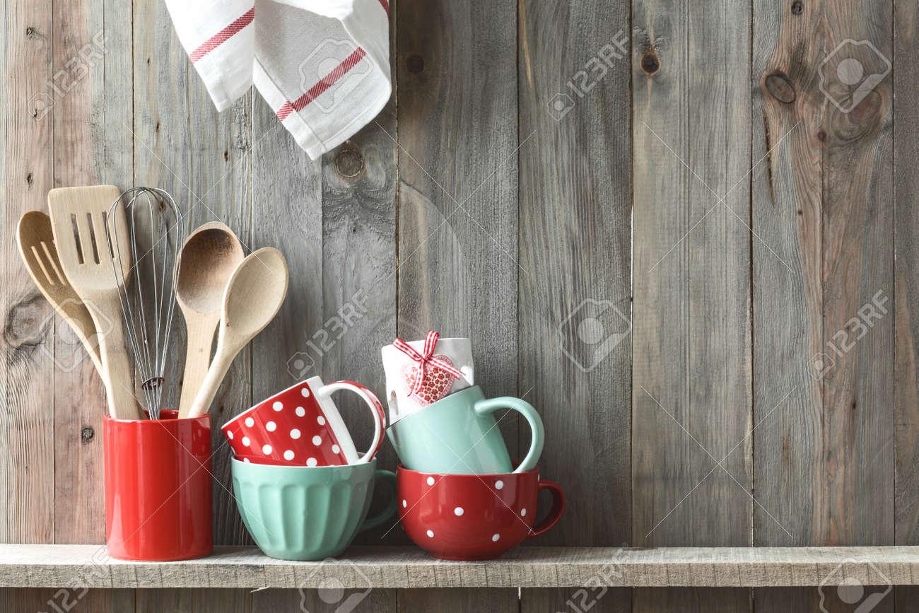 cocina utensilios de cocina en una olla de cermica de en un estante en una