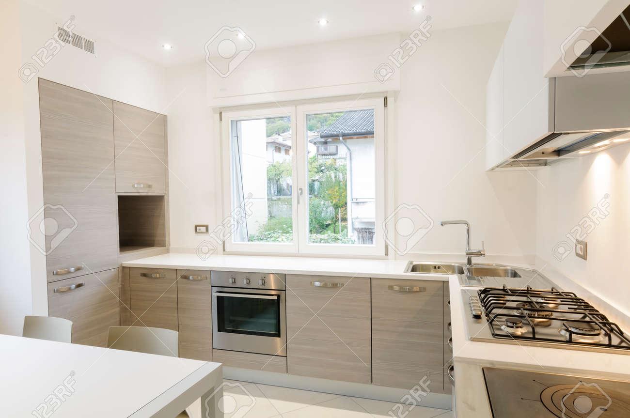 Fantastisch Einfaches Gehäuse Design Für Die Küche Bilder - Küche ...