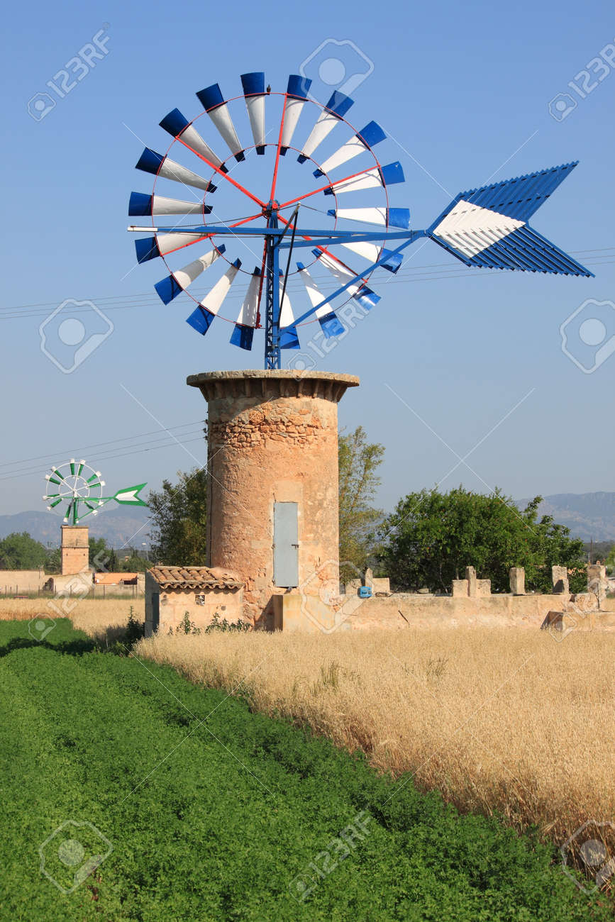 Typical windmill in Mallorca island, Spain Stock Photo - 14004666