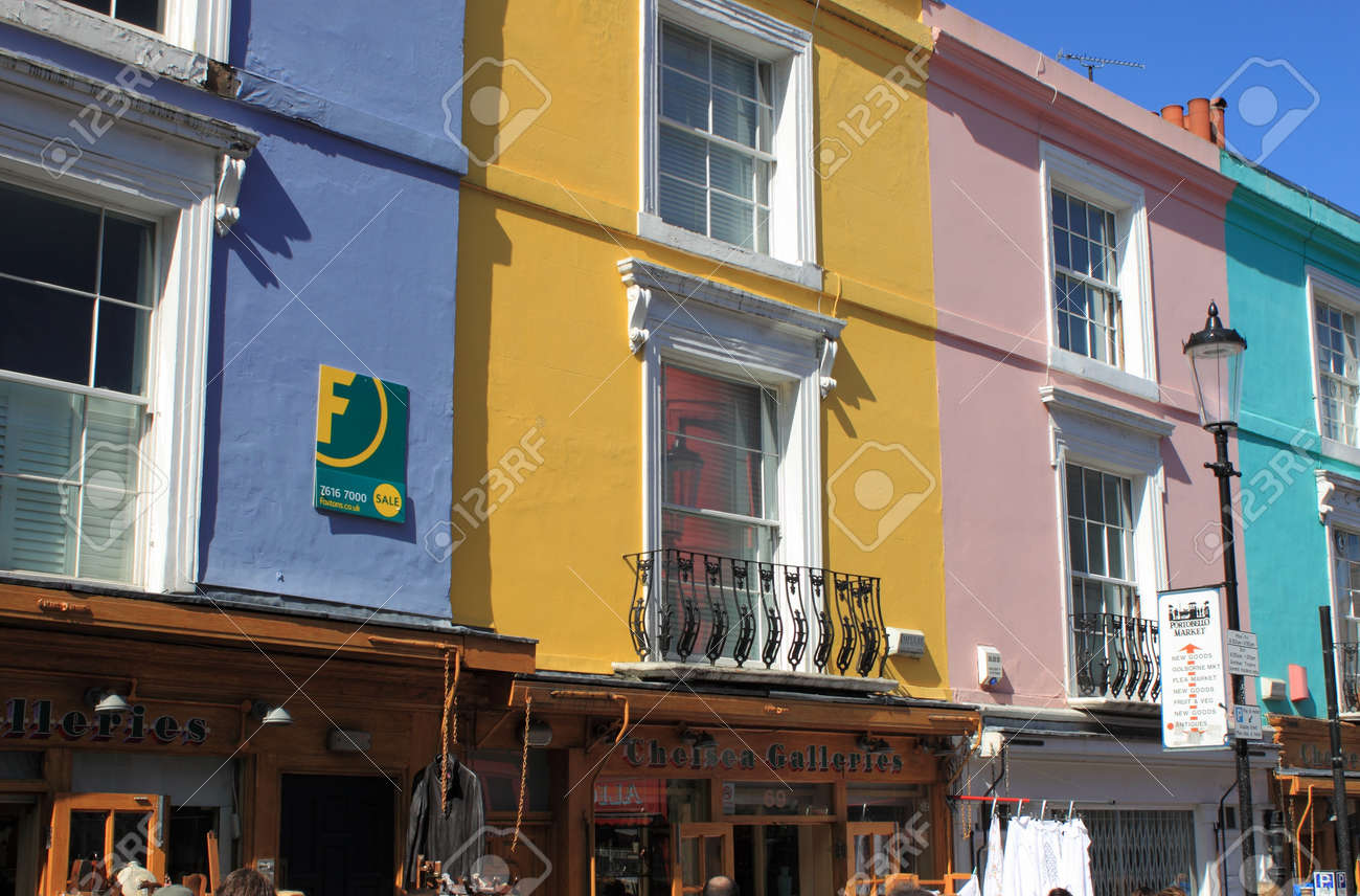 LONDON - MAY 22: Portobello Road shops on May 22, 2010 in Notting Hill, London. Portobello Road Market at Notting Hill currently is one of top 15 shopping destinations in London (TripAdvisor) Stock Photo - 15849630