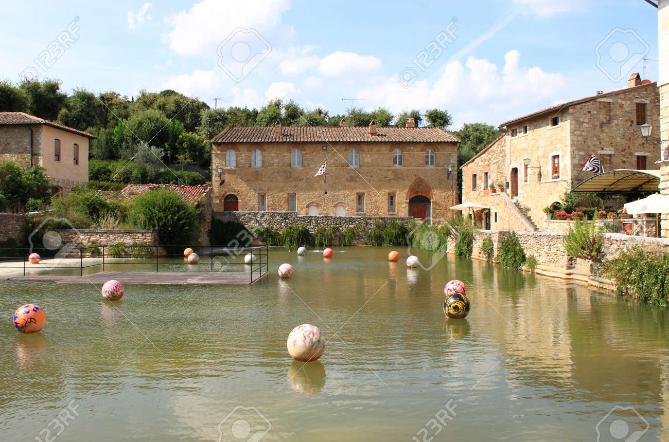 https://previews.123rf.com/images/alessandro0770/alessandro07701608/alessandro0770160800029/63788694-old-thermal-baths-in-the-medieval-village-of-bagno-vignoni-tuscany-italy.jpg