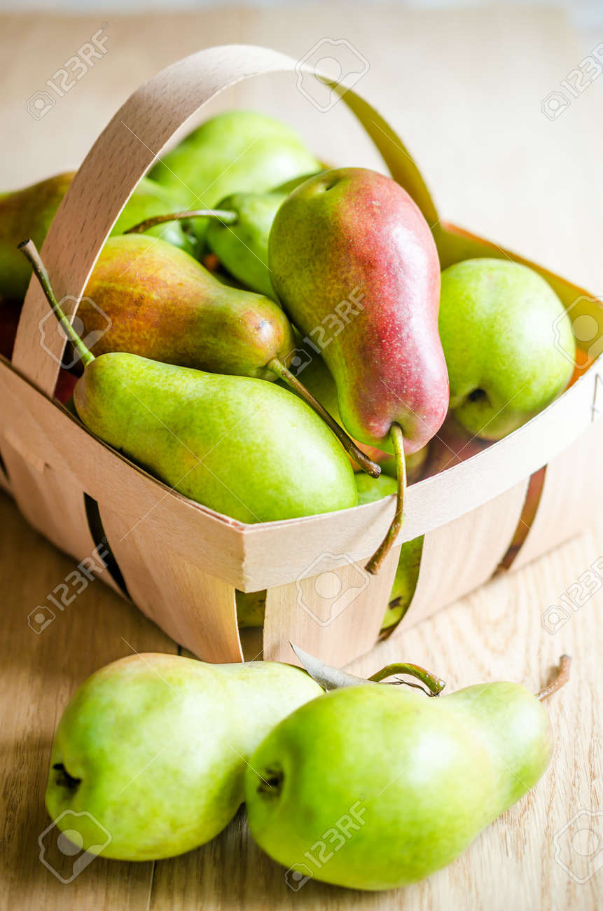 green pears Stock Photo - 21972625