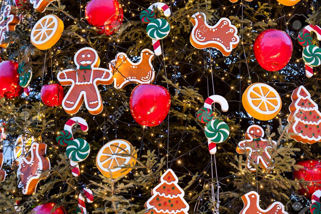 Kerstboom Met Ornamenten Van Kerstballen Sneeuwvlokken Teddyberen