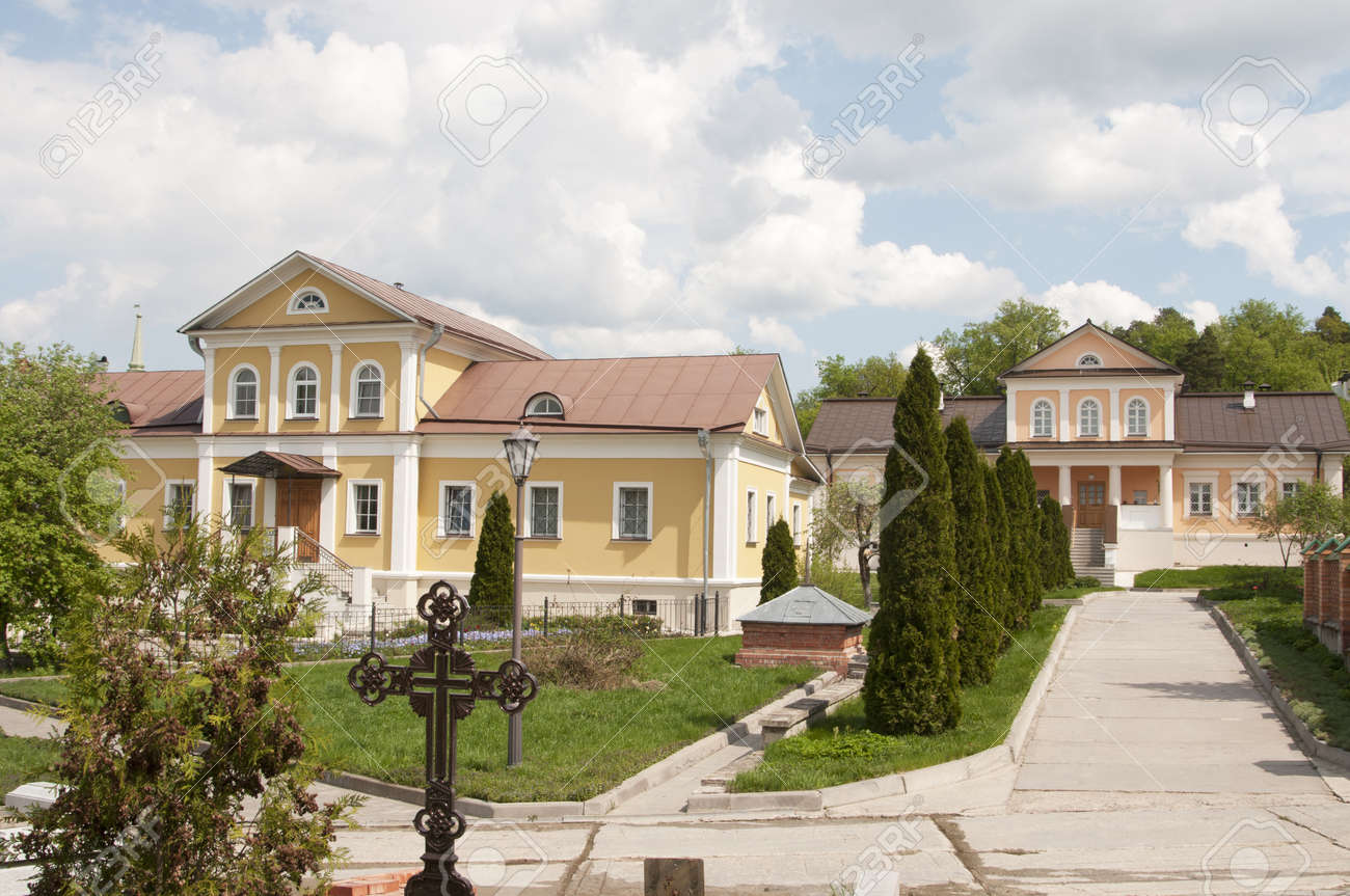 Kozelsk (Optino), Optina pustyn monastery, monastery buildings Stock Photo - 13596074