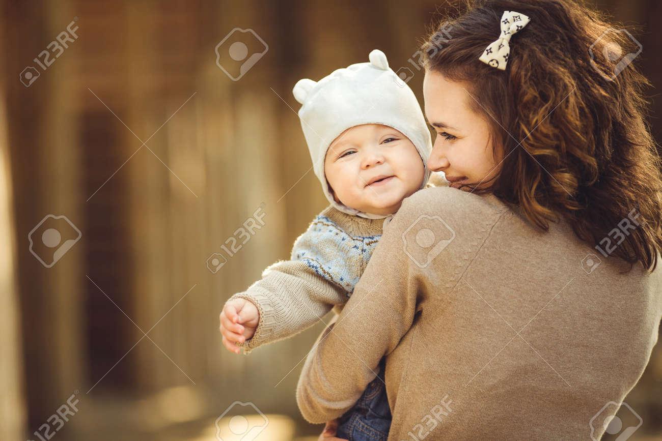 Как позировать для фото мама и ребенок