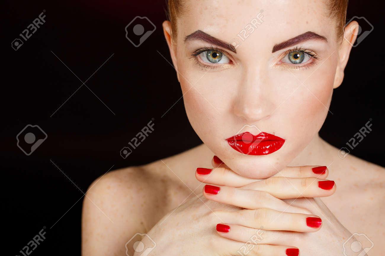 Romantische Mobel Style : Wellness cosmetics and romantic style close up portrait of