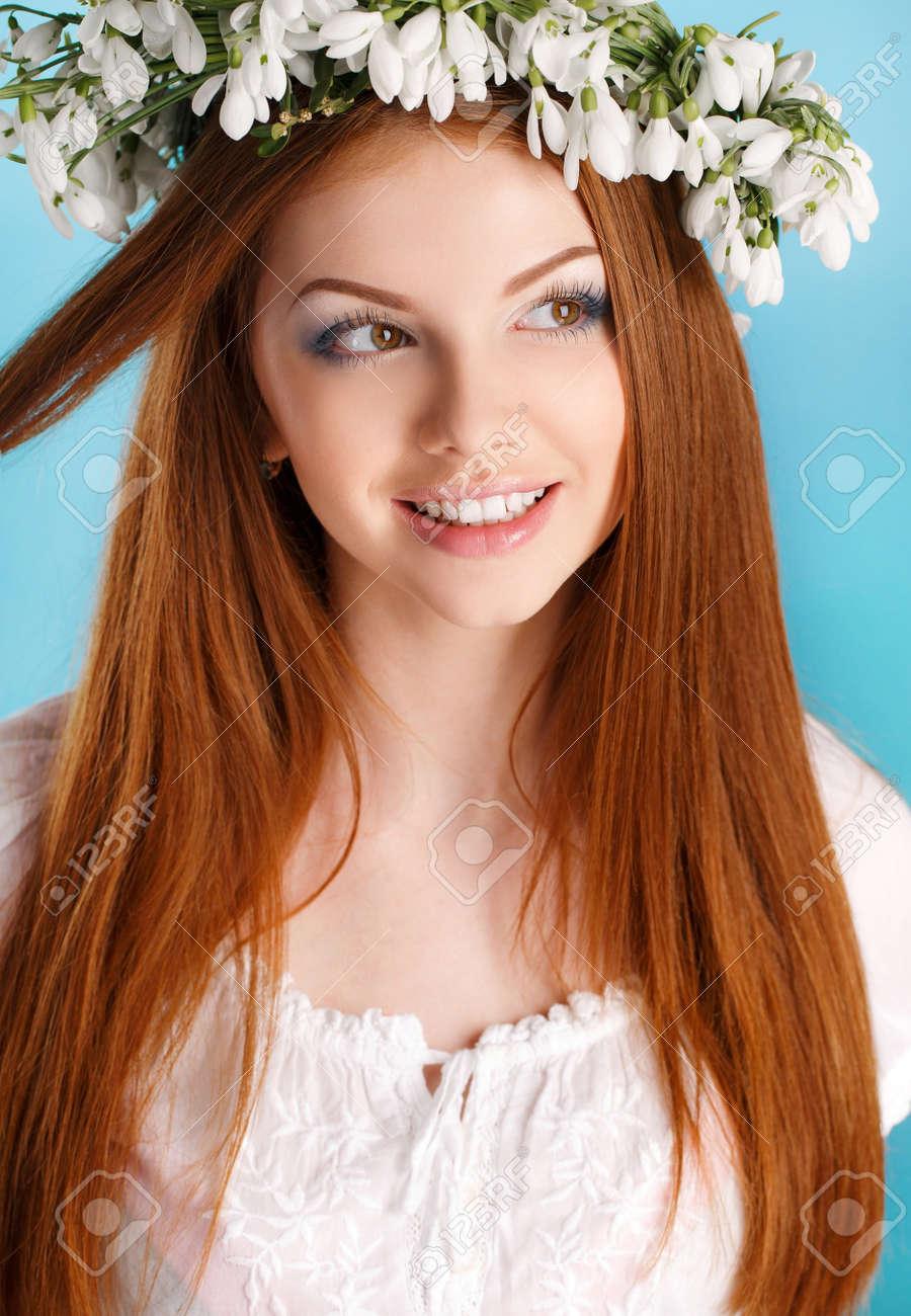 Schöne Mädchen Mit Langen Roten Haare Braune Augen Leichte Make Up