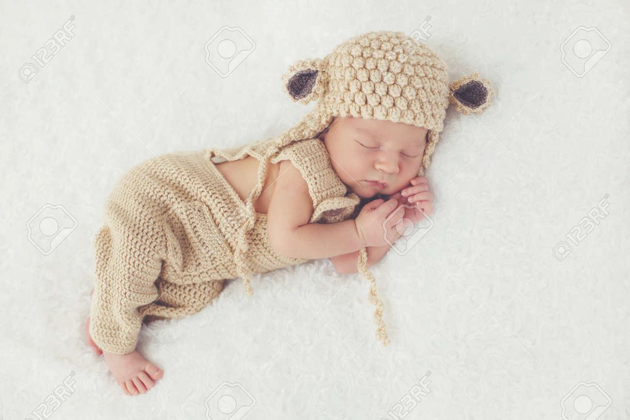 Perfecto Recién Nacidos Patrón De Sombrero De Punto De Conexión ...