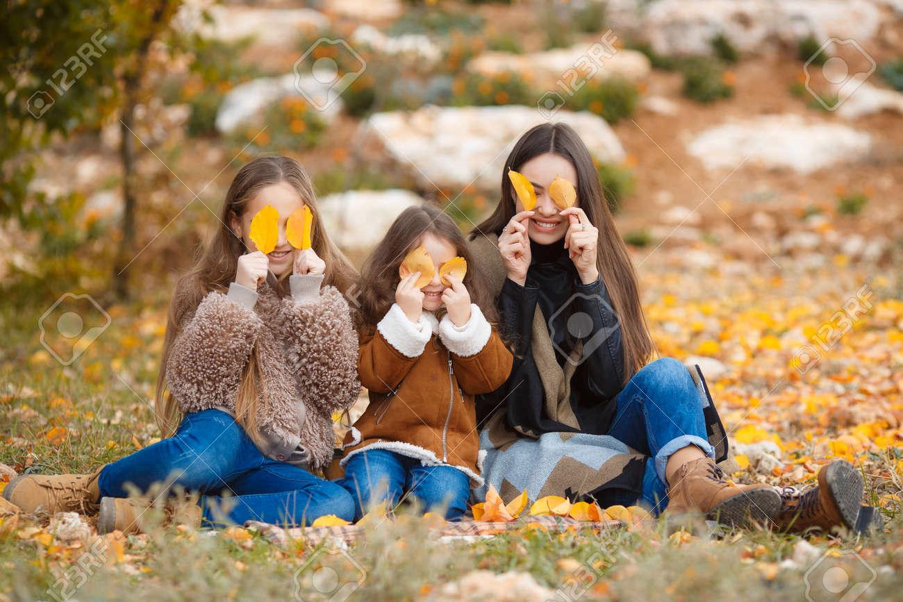Crembling Girls