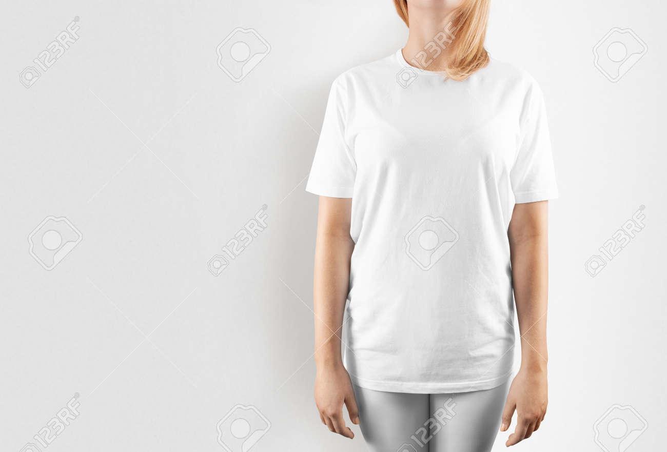 Leere Weiße T-Shirt Design Mockup, Isoliert. Frauen Tshirt Klare ...