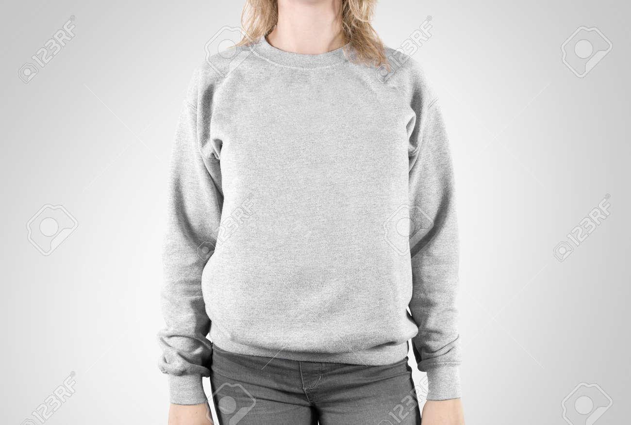 Sweatshirt Blank maquette isolé. usure Femme plaine hoodie mockup. Sweat à capuche conception Plaine présentation. modèle global lâche Effacer. Pull