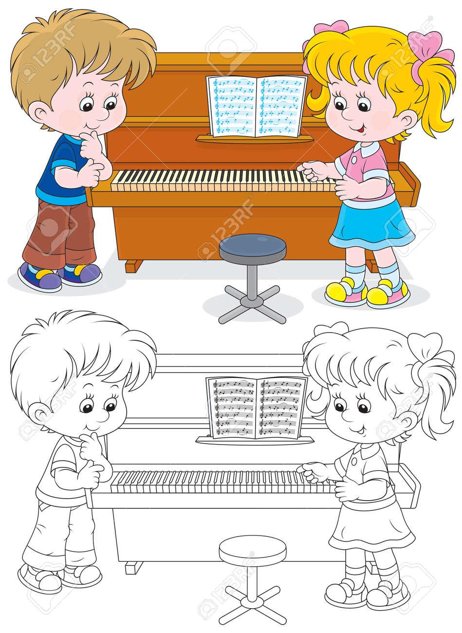 Niña Y Un Niño Tocando Un Piano